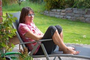 Claudia im Garten